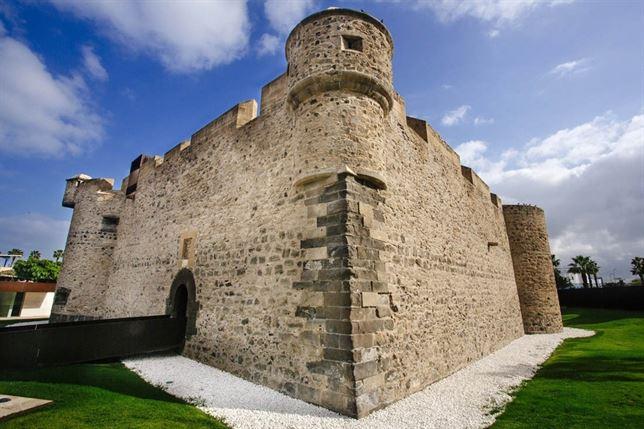 Замок девы Света на Гран Канарии