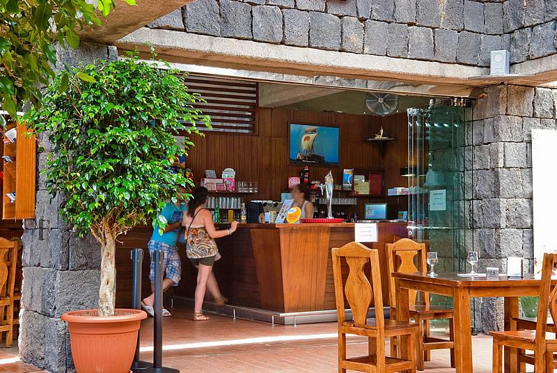 Фото кафе с видом на Пирамиды Гуимар, Тенерифе
